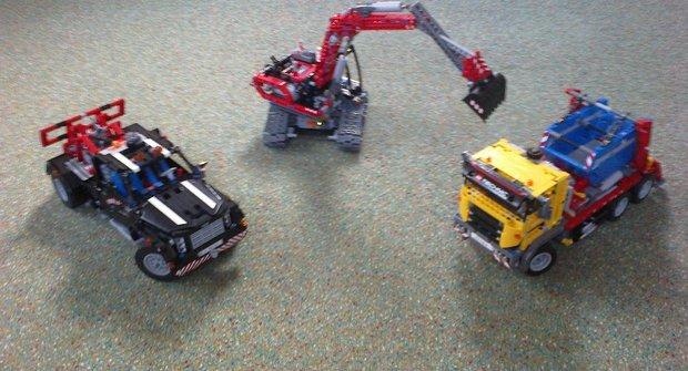 23 LEGO modely podle štosu návodů od Radima