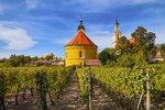 Máte Čechy projeté křížem krážem a moravská vína vmalíku? Zamiřte jen o kousek dál a poznejte pochutiny našich sousedů. Bratislava a Malé Karpaty jsou, co by kamenem dohodil. Pořád je co objevovat, krásná příroda a gastronomické zážitky lákají a to, že se bez problém domluvíme, je příjemný bonus.