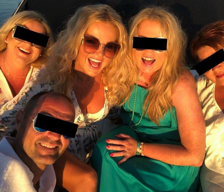 Monika Babišová vyrazila s kamarády na jachtu.