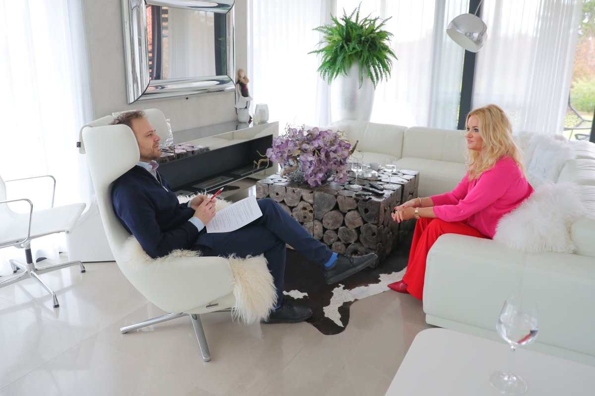 Monika Babišová během exkluzivního rozhovoru s moderátorem Jakubem Veinlichem
