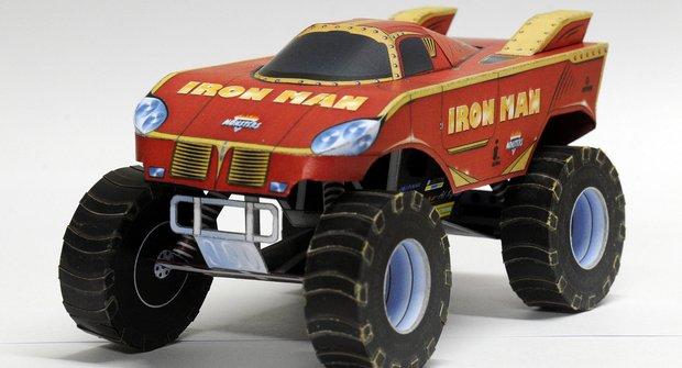 Automobily: Monster truck Gladiator a Iron Man