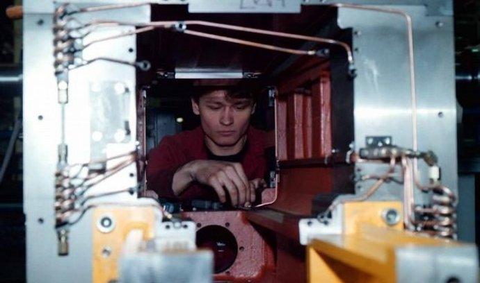 montáž komponentů pro soustruhy SKA 30