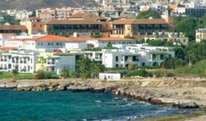 Pobřeží Kypru.