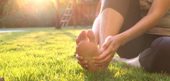 Pryč se ztvrdlou kůži: 6 tipů, jak se zbavíte mozolů na rukou i nohou