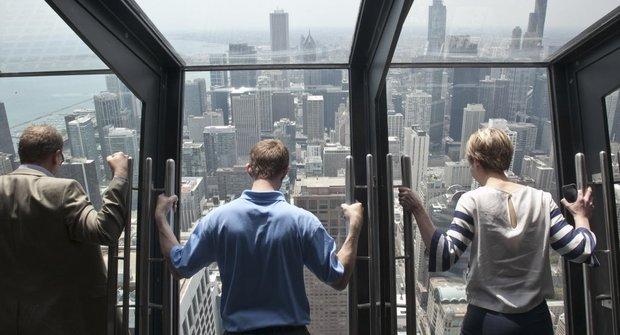 Výhled pro otrlé: Vyklápěcí okna na mrakodrapu