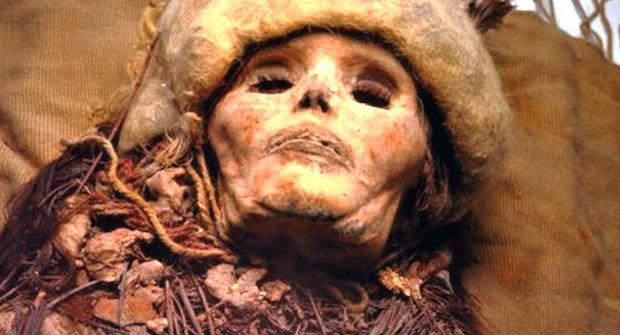Nejstarší sýr na světě schovávala tři a půltisíciletá mumie