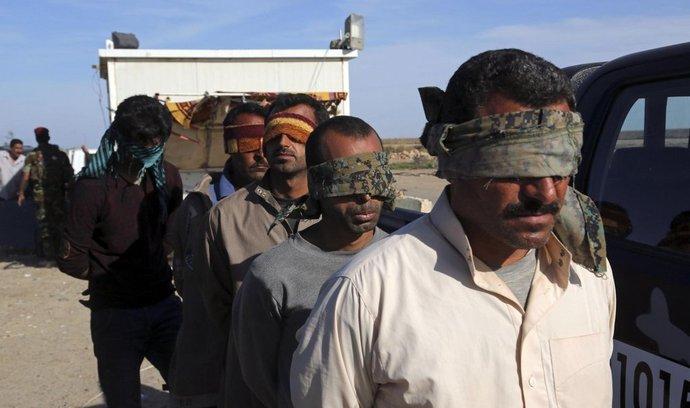 Muži podezřelí z členství v Islámském státu v Iráku