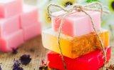 S týmto darčekom zabodujete: voňavé domáce mydlo