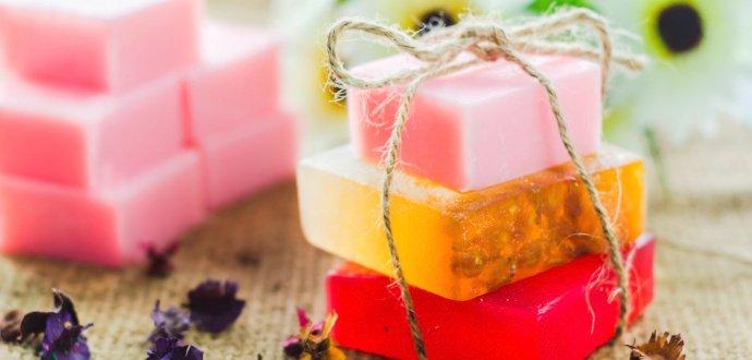 S tímhle dárkem zabodujete: voňavé domácí mýdlo