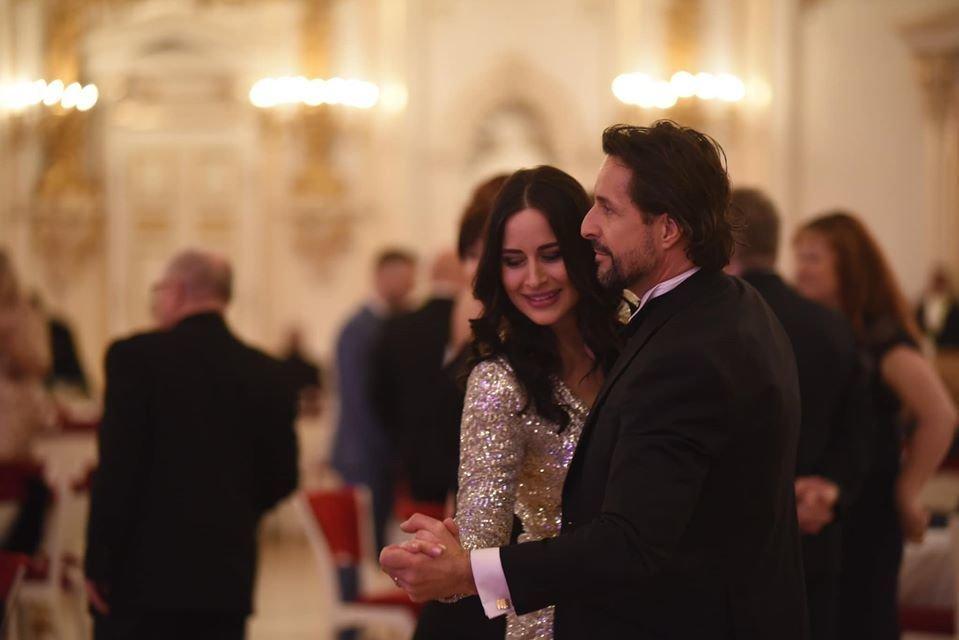 Alex Mynářová s Tomášem Krejčířem - dvojice moderovala pátý charitativní ples prezidenta republiky (10.1.2020)