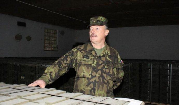 Náčelník Centra zabezpečení munice Bohuslav Jabůrek