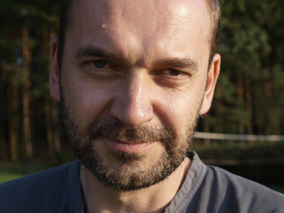 Artur Żmijewski (51)