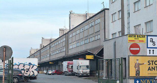 Za bývalým Nákladovým nádražím Žižkov by měla vzniknout nová dopravní tepna, tzv. Jarovská třída. (ilustrační foto)