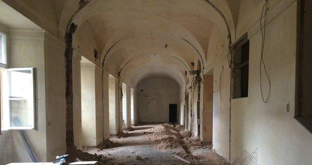 Národní knihovna v Klementinu prochází rozsáhlou rekonstrukcí.