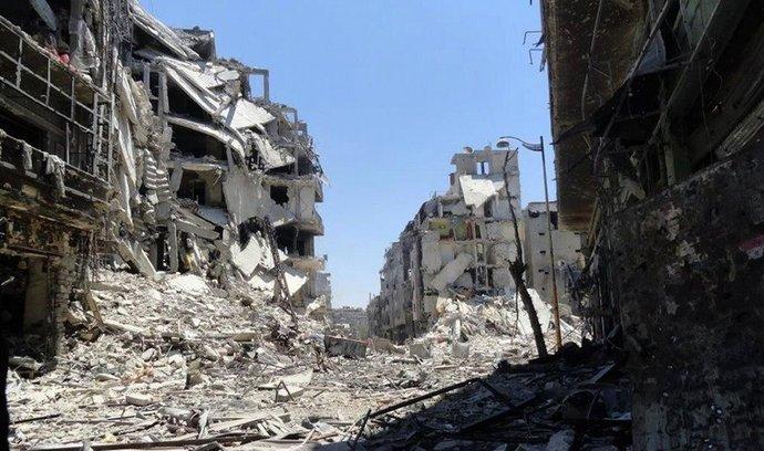 Následky bojů ve městě Homs