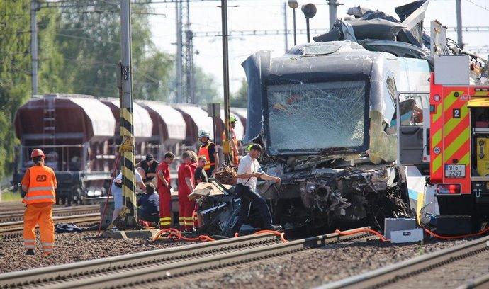 Následky nehody Pendolina u Studénky