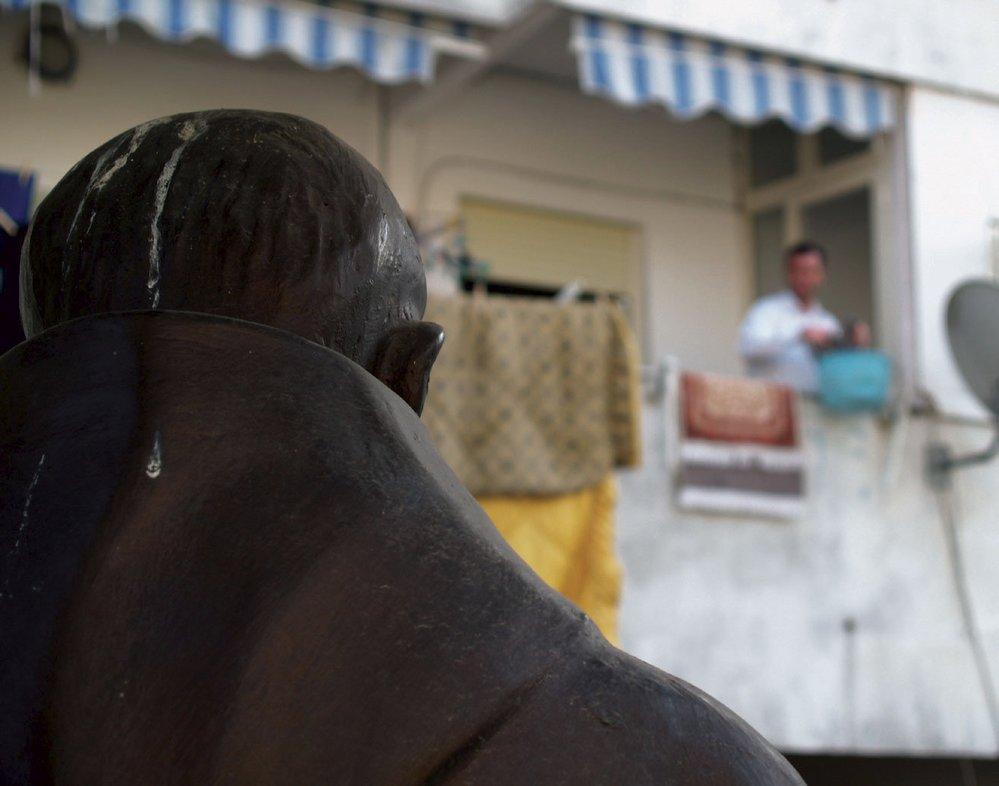 Návštěva neapolského sídliště Scampia: Drogové gangy, černý obchod a Camorra