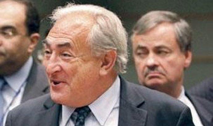 Nebylo to nejhorší. Výkonný ředitel MMF Dominique Strauss- -Kahn (na snímku vpravo se šéfem Světové banky Robertem Zoellickem) nepovažuje výsledek setkání za selhání
