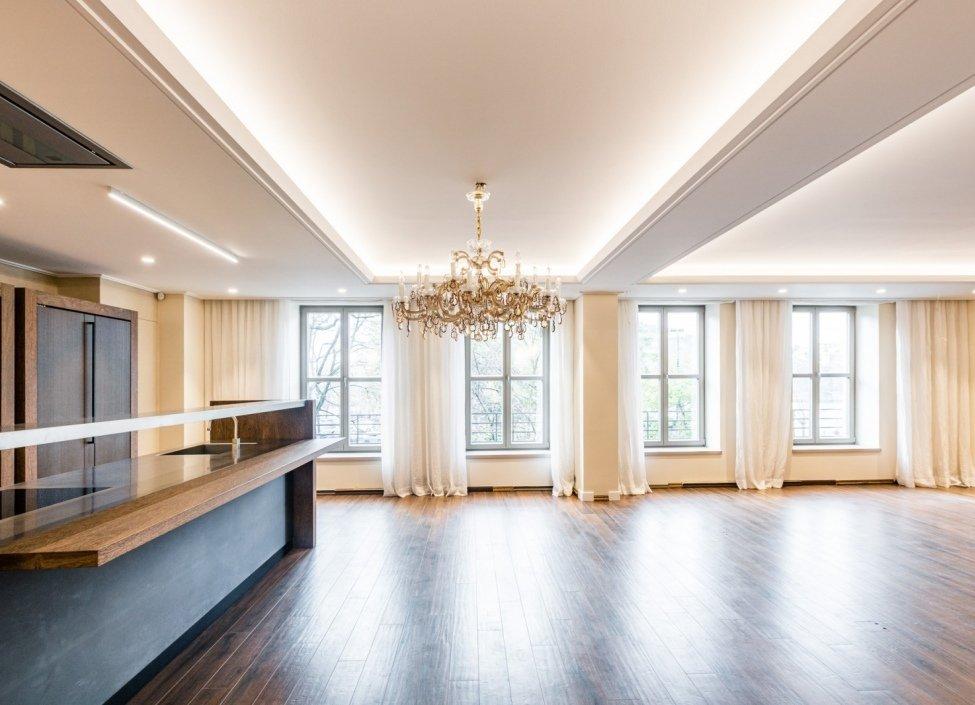 Luxusní byt 5+kk (235 m²) v ulici Divadelní v centru Prahy stojí 79 milionů Kč.