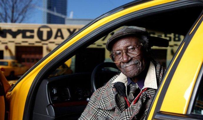 nejstarší taxikář na světě