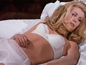 Nejvíc sexy holky ve filmech: 60 nejslavnějších erotických symbolů