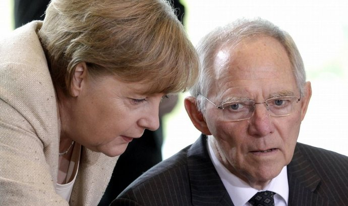 Německá kancléřka Angela Merkelová a ministr financí Wolfgang Schäuble