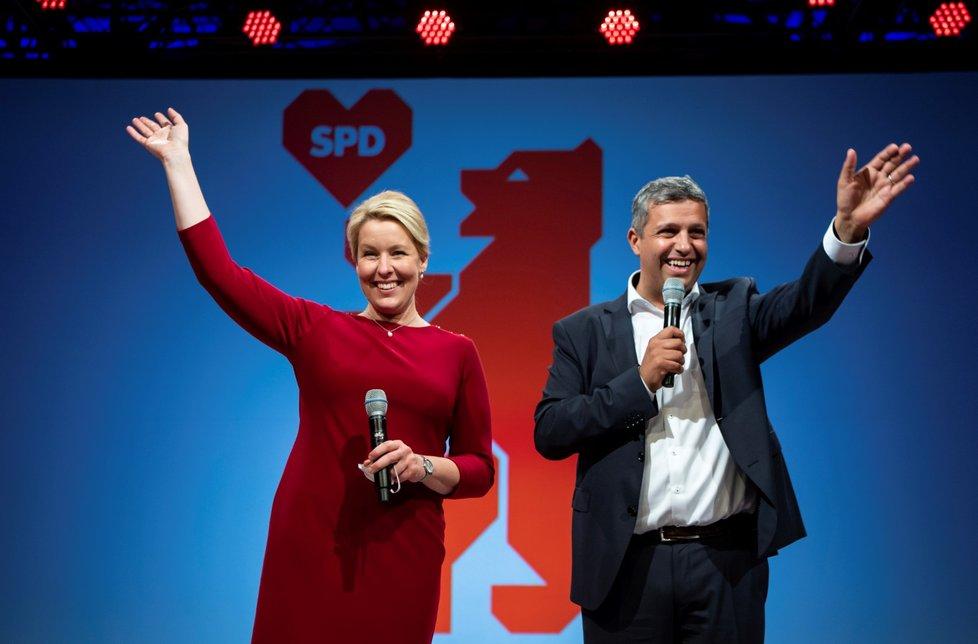 Zástupci německých SPD oslavují vítězství (27.9.2021)