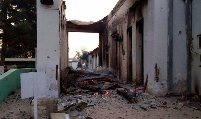 Nemocnice Lékařů bez hranic v afghánském Kunduzu po bombardování patrně americkými letouny