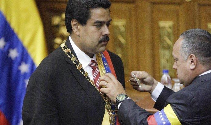 Nicolás Maduro skládá přísahu