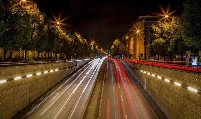 Noční Mnichov, ilustrační foto