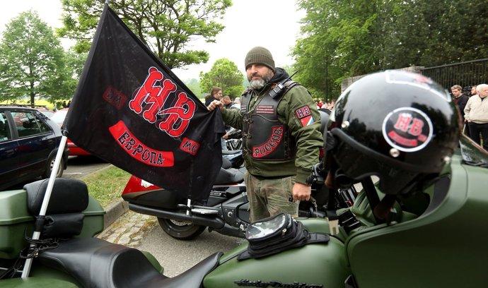 Člen motorkářského klubu Noční vlci (ilustrační foto)