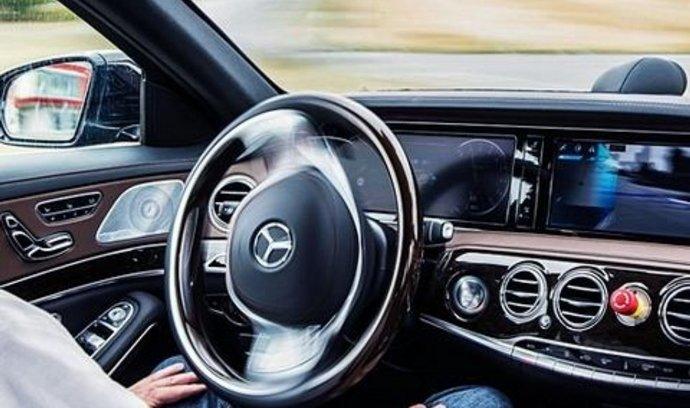Nový Mercedes-Benz třídy E, který bude jezdit úplně sám i v dálničních rychlostech