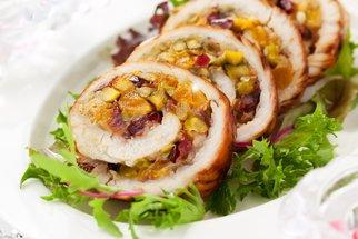 Víkendové hody: Připravte pro rodinu to nejlepší podzimní obědové menu! Podávat se bude kuřecí roláda i koláč s tvarohem