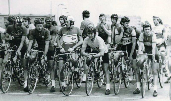 Obrázek cyklistiky, jak si ji pamatujeme ze 70. a 80. let