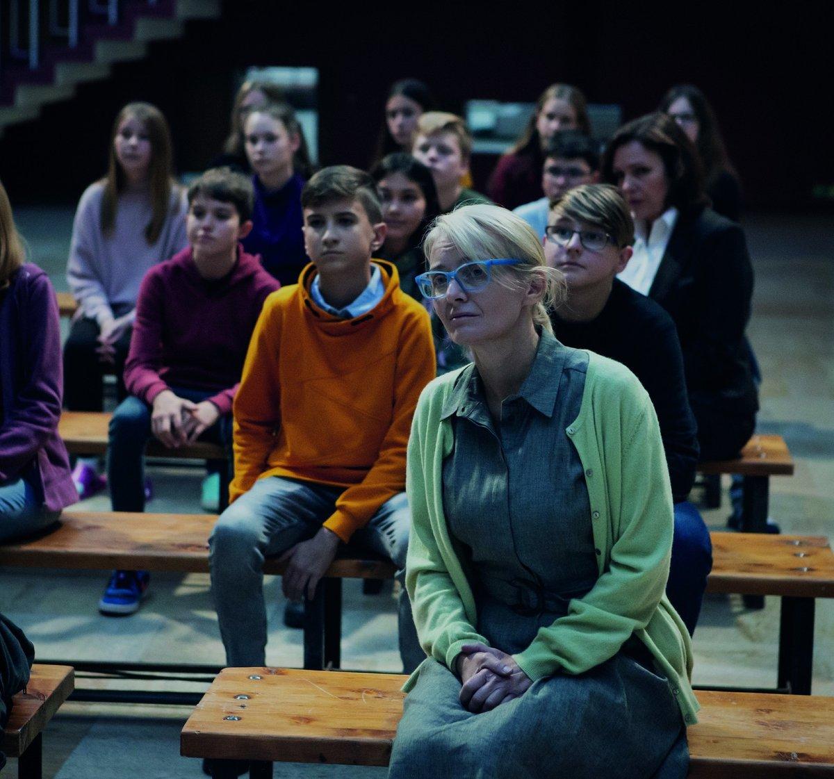 Veronika Žilková jako učitelka v Ochránci.