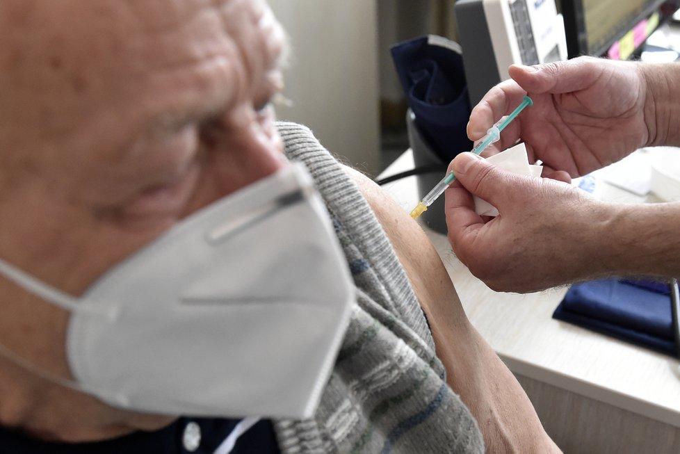 Očkování seniorů ve Zlínském kraji (18.2.2021)