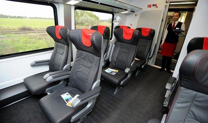 Oddělení první třídy v Railjetu Českých drah. Vlaky dostanou i business třídu