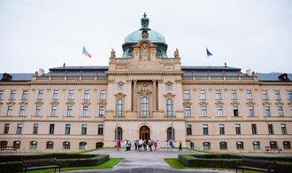 Česko bude mít ministra pro evropské záležitosti. Počet vládních křesel vzroste o dvě
