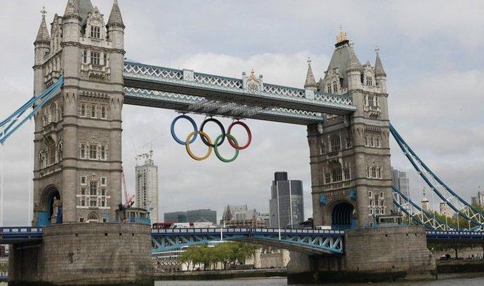 Olympijská výzdoba na Tower Bridge
