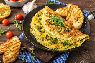 Rychlé a levné večeře z vajec: Dopřejte si je v pomazánkách, omeletách nebo muffinech