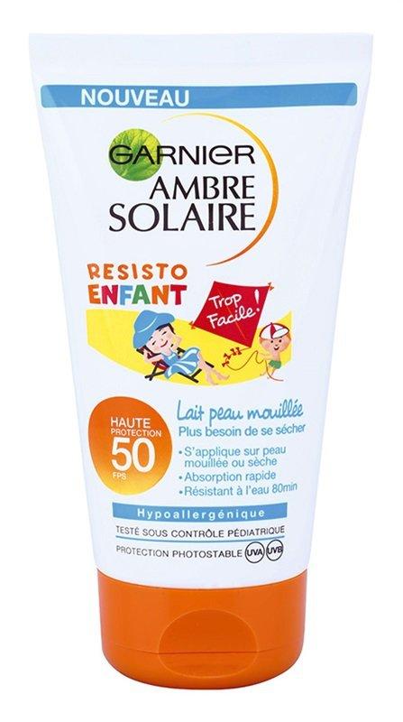Voděodolný krém na opalování pro děti Ambre Solaire Resisto Kids, Garnier, SPF 50, 199 Kč/150 ml