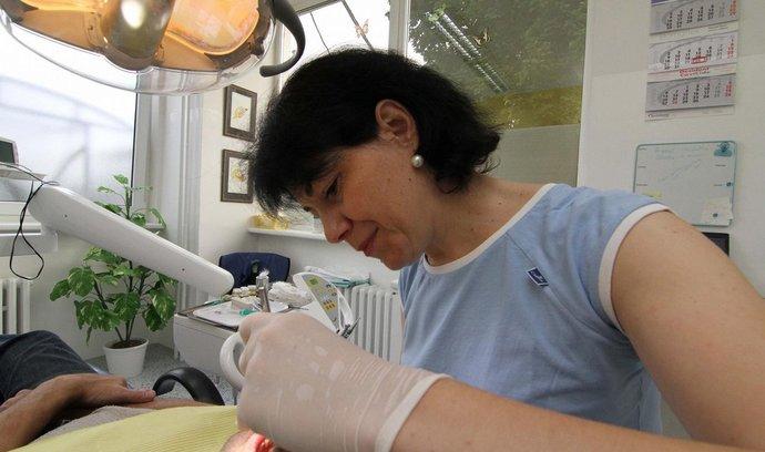 Ordinace zubní lékařky, ilustrační foto