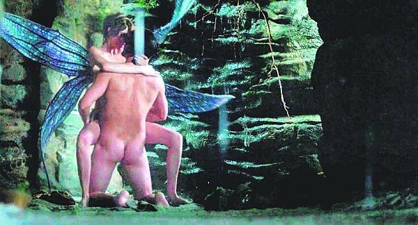 Orlando Bloom a jeho velmi žhavá scéna s modelkou Carou Delevingneovou.