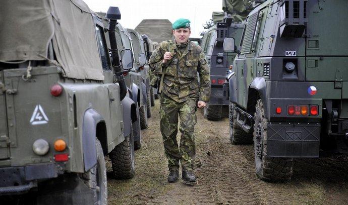 Ostrahu areálu ve Vrběticích převzala armáda