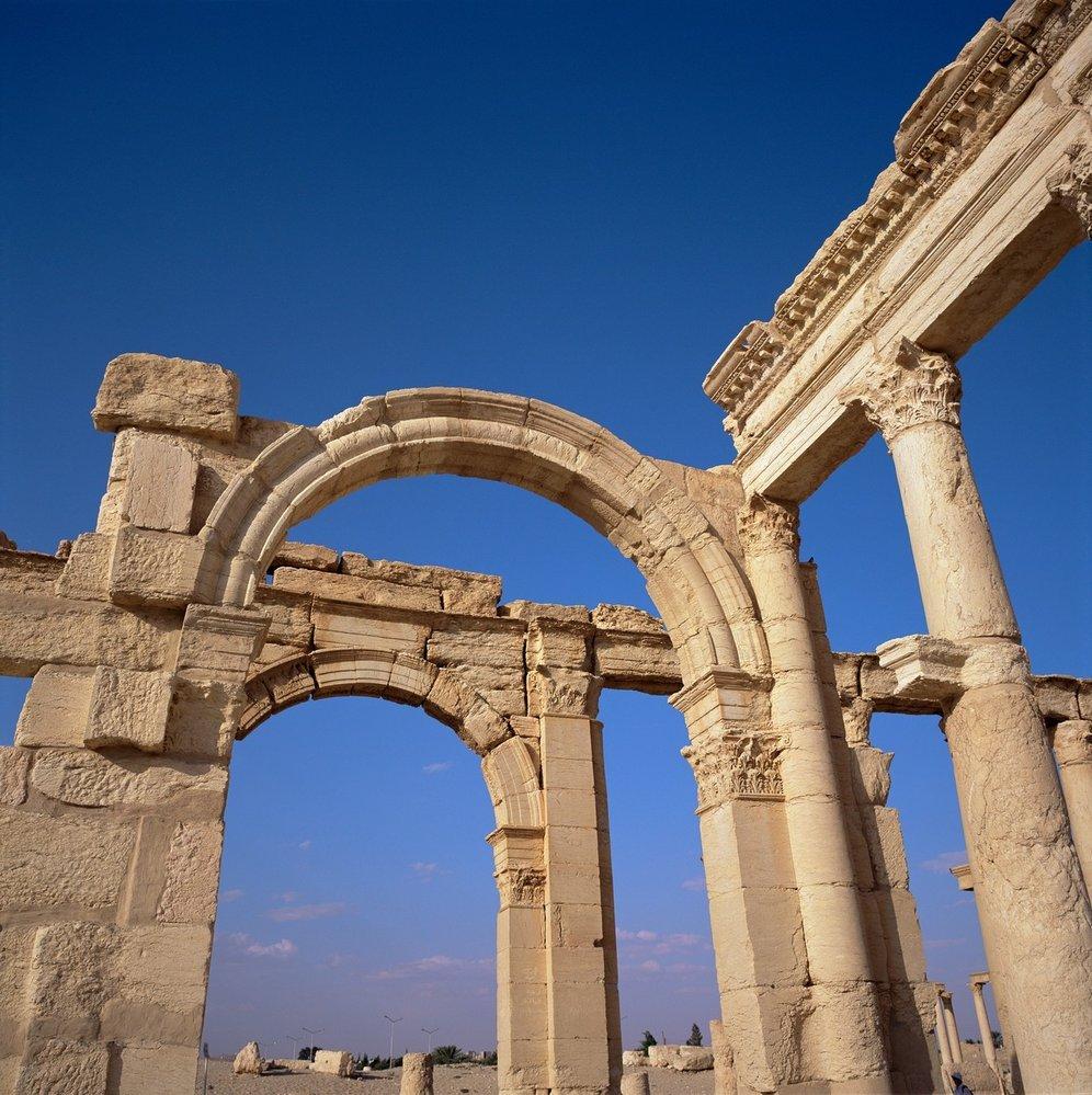 Radikálové z IS vyhodili do povětří 2000 let starý vítězný oblouk z římské éry