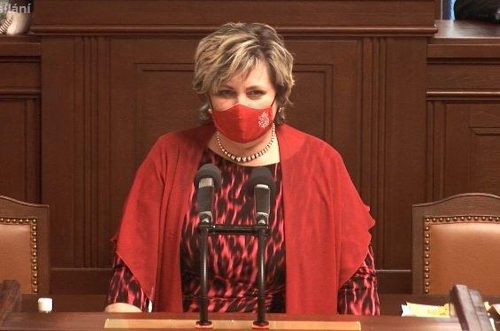 Poslankyně Věra Kovářová (STAN) ve Sněmovně (18.2.2021)
