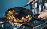 Rychle a zdravě: 3 jednoduché recepty, které uvaříte v jedné pánvi