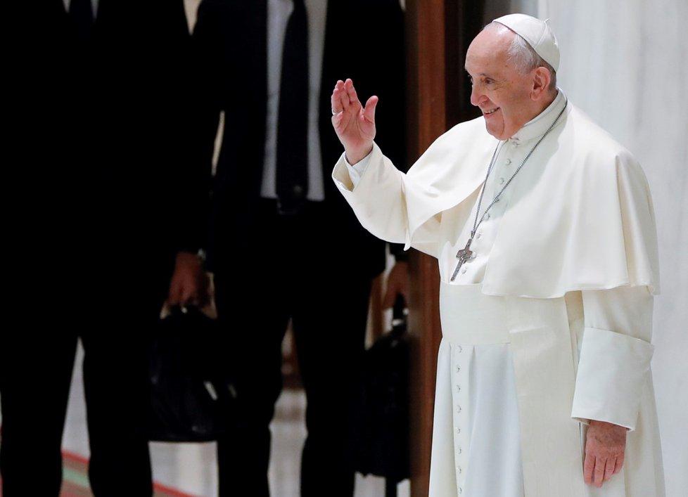 Papež uděluje audienci během pandemie ((20. 10. 2021)