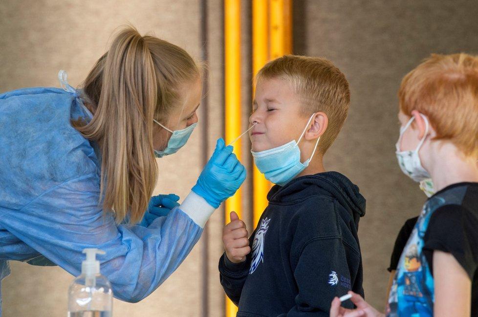 Testování na covid-19 ve školách v Pardubicích. (Září 2021)