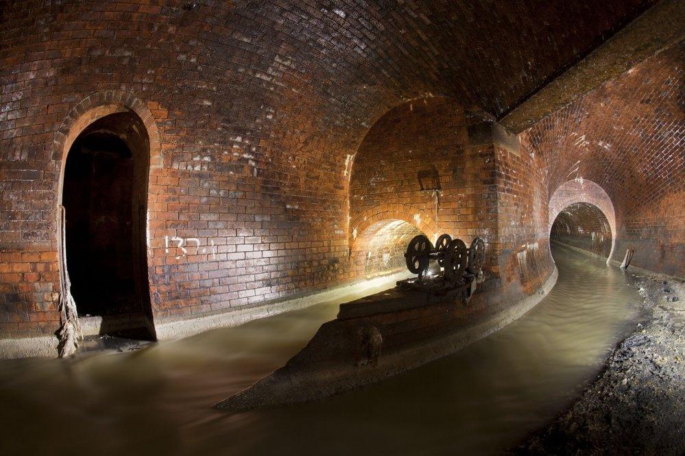Kanalizace pod londýnskou Clapham High Street